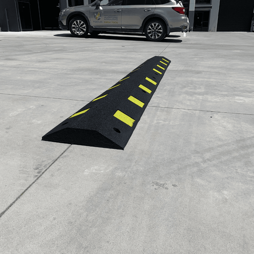 Heeve Durable Recycled Rubber Traffic Speed Hump