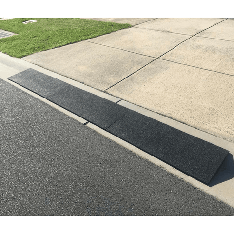 Driveway Rubber Kerb Ramp in 1m Sections for Rolled-Edge Kerb