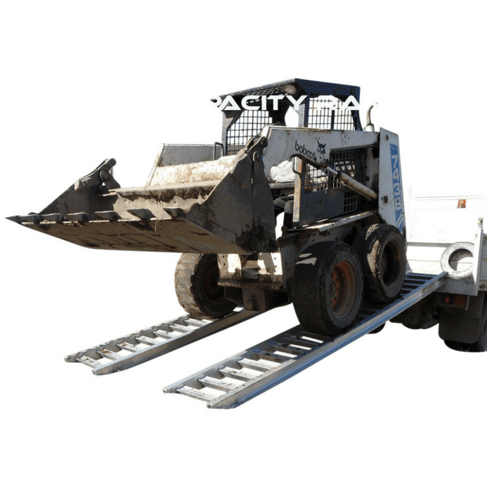 Whipps Construction & Machinery Whipps 4.5 Tonne 2.5 m x 600mm Aluminium Loading Ramps