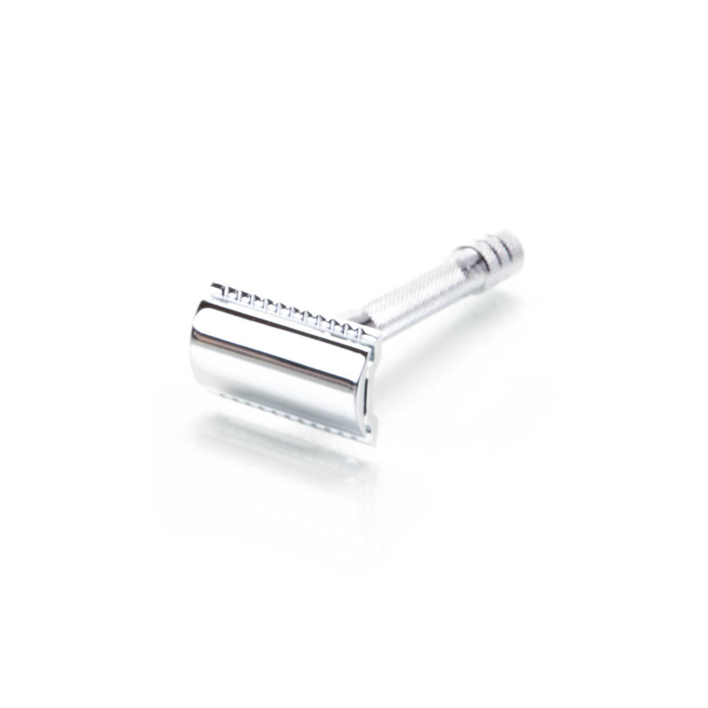 Merkur Safety Razor Set with Extra Razors and Razor Safe