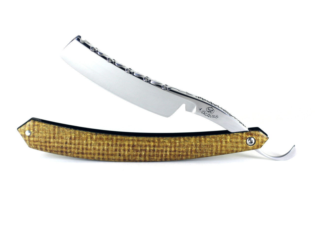 "Alex Jacques 6/8"" Razor With Lightning Strike Scales"