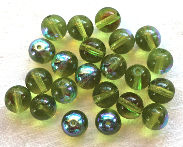 Lot of 25 8mm Czech glass druks, Peridot Green smooth round druk beads C0401