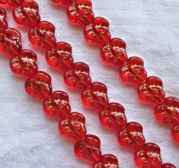 Lot of 25 9mm Czech red glass pansy beads - siam flower beads with gold accents C7501