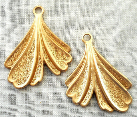Accessories - Two Raw Brass Leaf Stampings, Art Nouveau, Deco, Retro, Stylized Ginko Leaves, Pendants, Charms, Earrings 32mm In By 25mm, USA Made, 6602