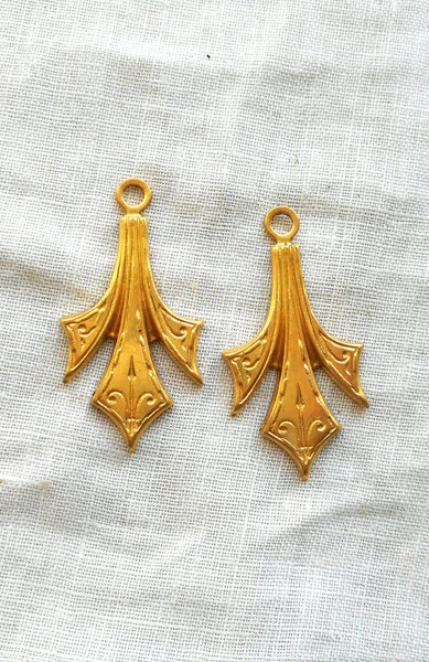 Two Raw Brass Stampings, Victorian dangles / charms, earrings 31mm x 16mm, made in the USA C4802 - Glorious Glass Beads