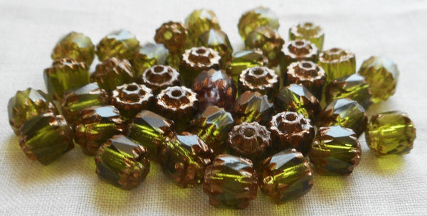 Lot of 25 Olivine Green 6mm crown picasso beads, faceted, firepolished, antique cut, Czech glass beads C1801