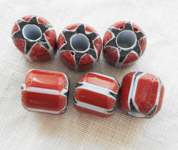 Lot or 10 large blue, white and red striped chevron glass Beads 9 x 10mm C0501 - Glorious Glass Beads