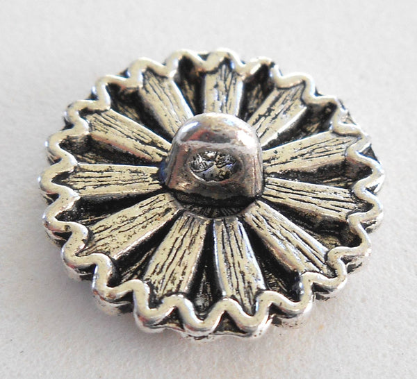 One antique silver decorative sunflower shank button, 17mm, C7111 - Glorious Glass Beads