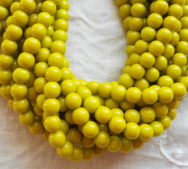 Lot of 50 6mm Czech glass druks, Opaque Olive Green smooth round druk beads C7750