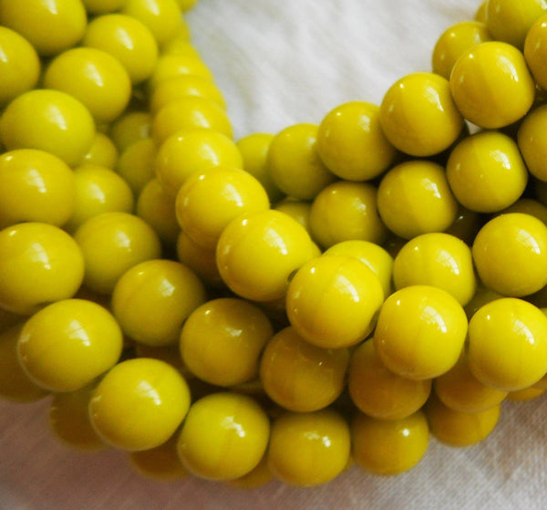 Lot of 50 6mm Czech glass druks, Opaque Olive Green smooth round druk beads C7750 - Glorious Glass Beads