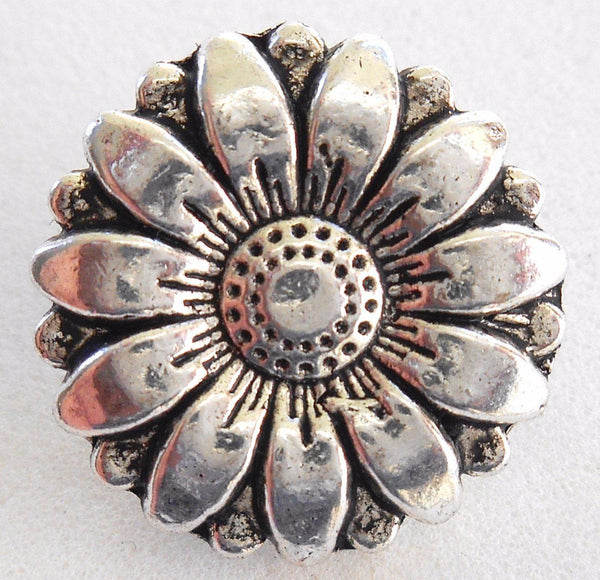 Supplies - One Antique Silver Decorative Sunflower Shank Button, 17mm, C7111