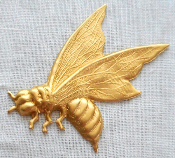 One raw brass art nouveau, Victorian honey bee, pendant, charm, medium brass stamping, 43mm x 38mm, made in the USA, C7401 - Glorious Glass Beads