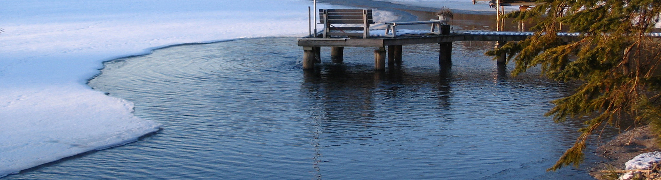 How Dock De-Icers Protect Your Dock From Ice Damage
