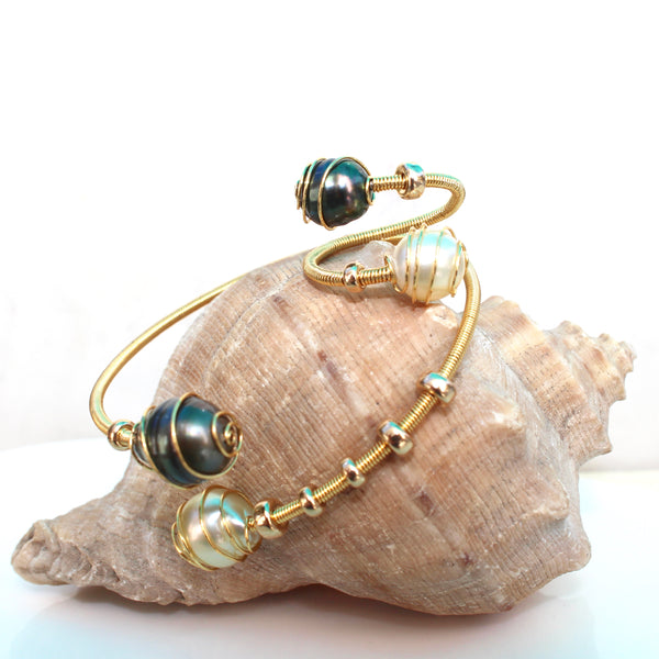 AMARA TAHITIAN & SOUTH SEA WIRE WRAP BRACELET