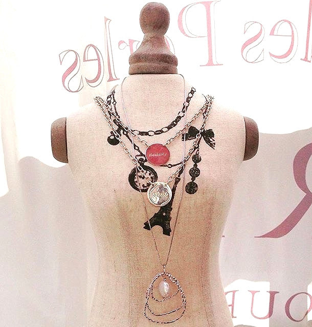 GWEN 'BEAUTY' NECKLACE