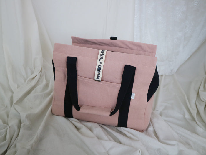 Double Comma Pet Carrier in Pink
