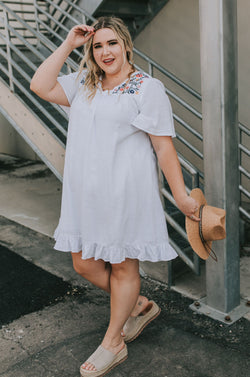 PLUS SIZE - Jess Embroidered Dress