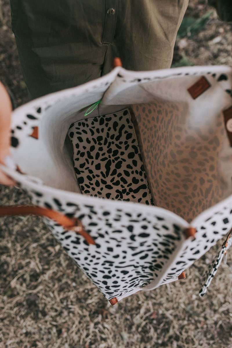 Explore The Wild Tote
