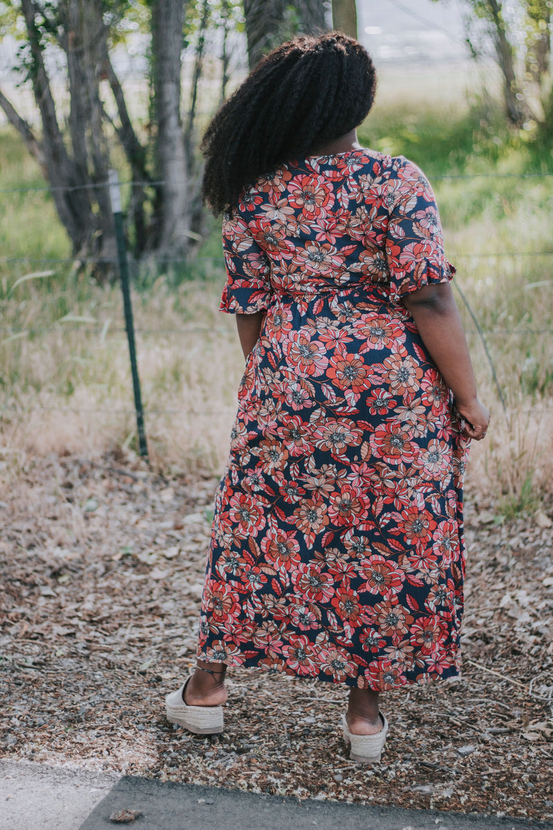 PLUS SIZE - Kleo Floral Dress