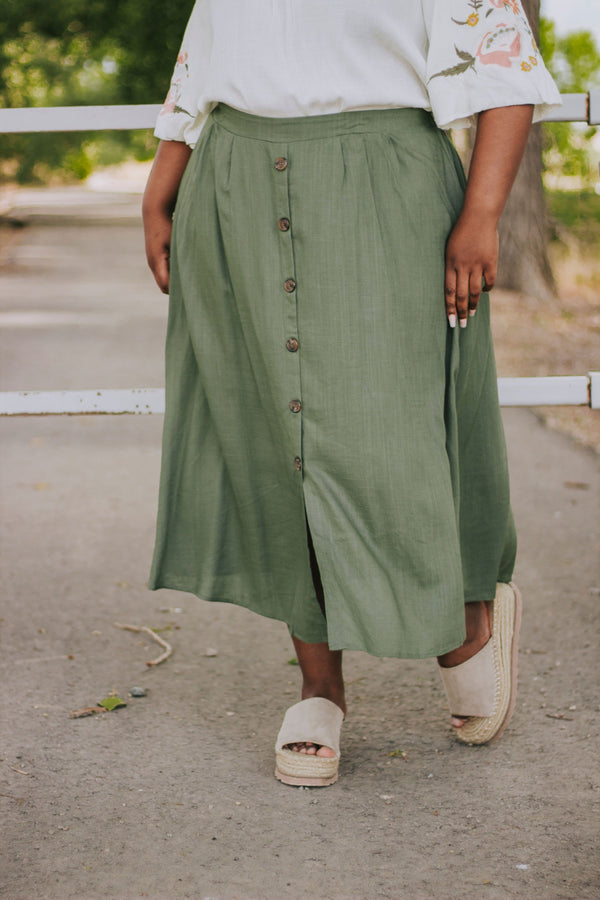 PLUS SIZE - Chasing Pavements Skirt