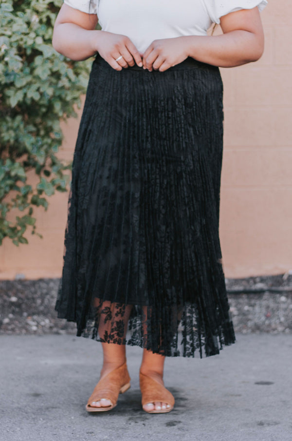 PLUS SIZE - Ashley Lace Skirt