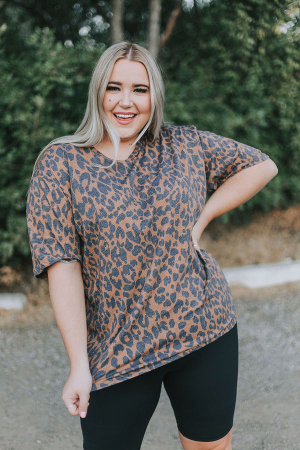 PLUS SIZE - Stray Cat Top