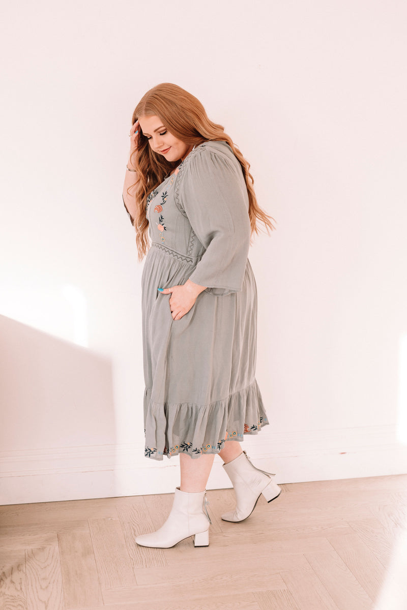 PLUS SIZE - Only Love Dress