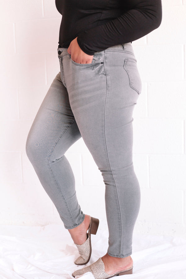 PLUS SIZE - Reynolds Jeans