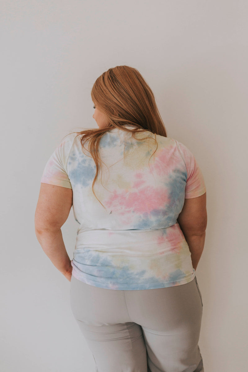 PLUS SIZE - Be Happy Tee