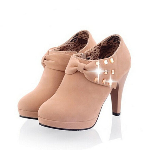 Bow Rivets Ankle Boots