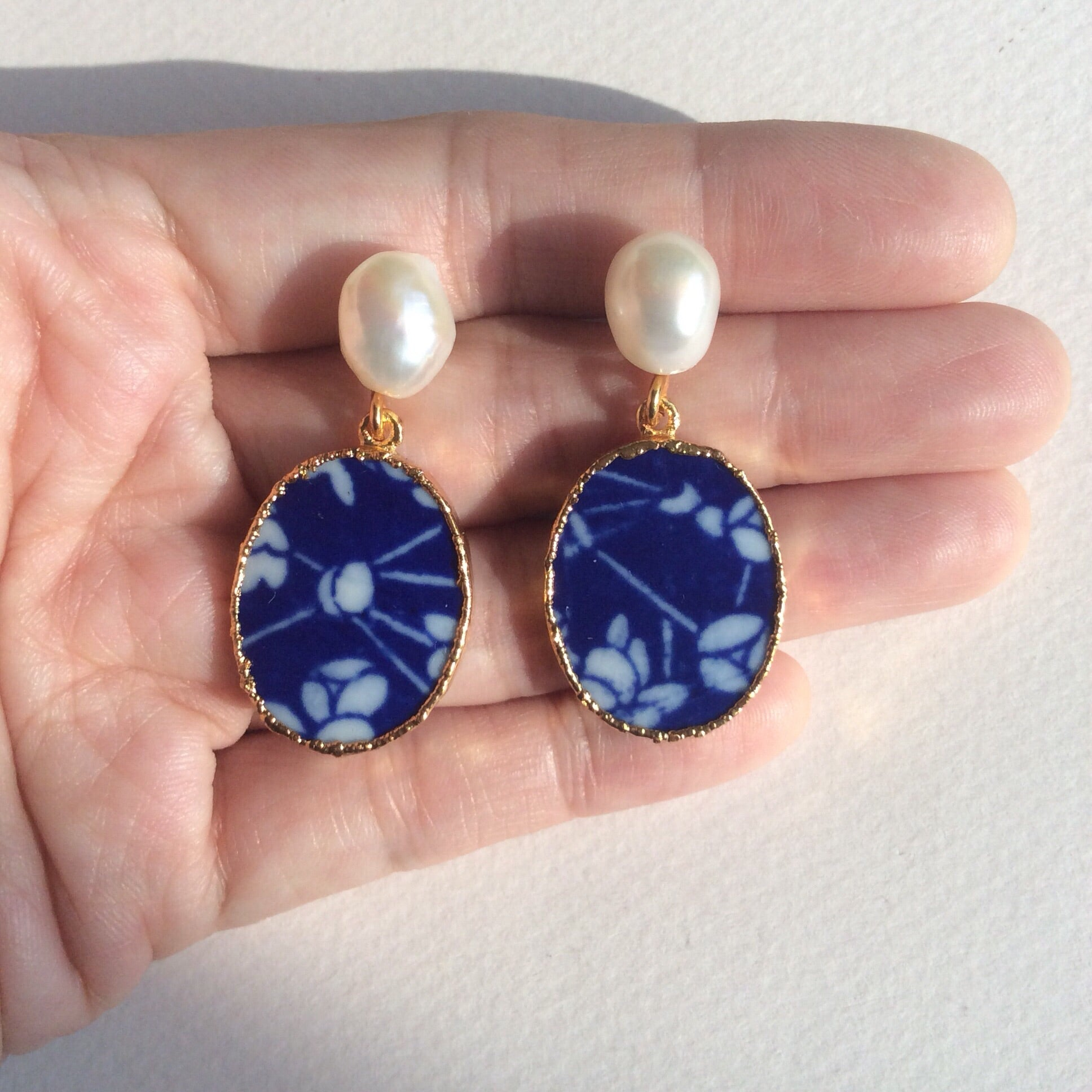 3 Friends of winter porcelain earrings