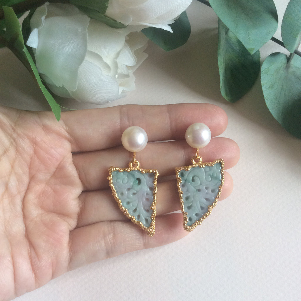 Peacock tail carving jade earrings with FW pearls