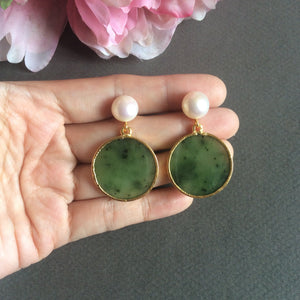 Disc jade earrings with FW pearls