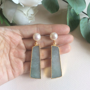 Smooth jade earrings with FW pearls