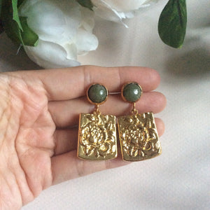 Rose tableau with jade studs