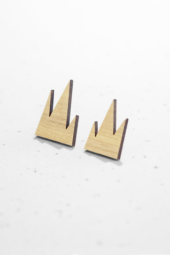 MOUNTAIN EARRINGS (SILVER PIN)