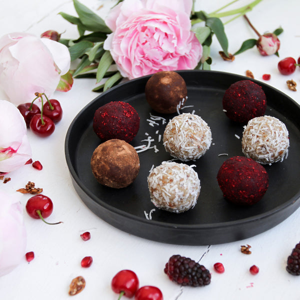 R E C I P E: Christmas Breakfast Bliss Balls