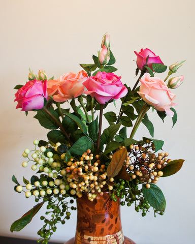 Rose Flower Bouquet with Berries - Pink