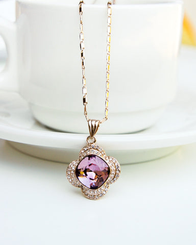 Stylish Flower Pendant Necklace with Swarovski Elements