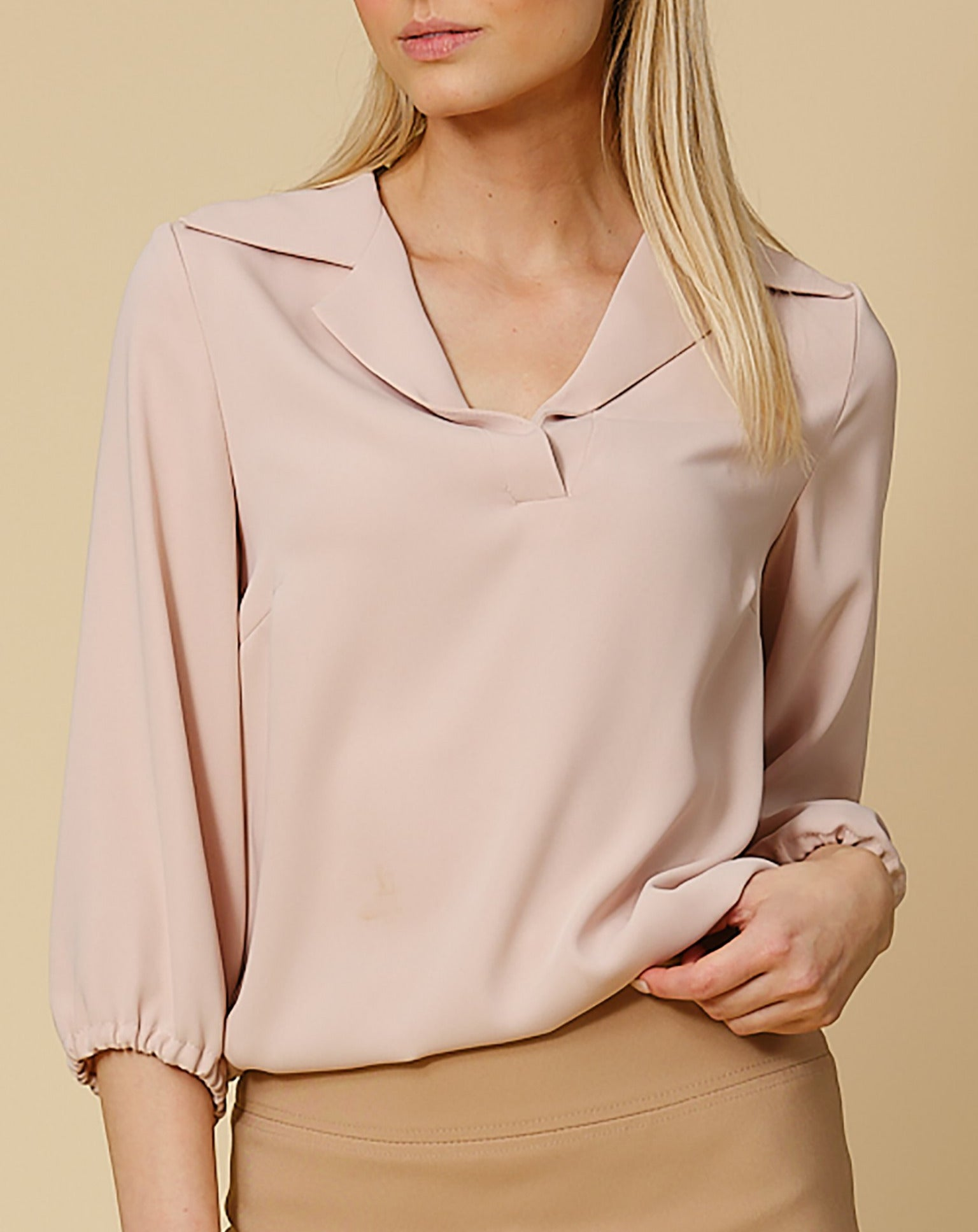 Blouse Elin in sand