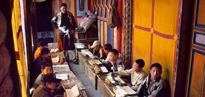 13 Humbling Images of Classrooms Around The World