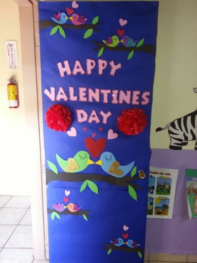Adorable Valentine's Day Doors for Your Classroom_10_Bored Teachers
