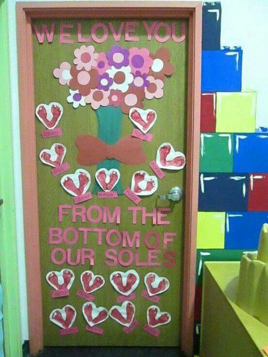 Adorable Valentine's Day Doors for Your Classroom_28_Bored Teachers