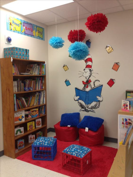 Cat in the Hat reading center : reading-corner-ideas - designwebi.com