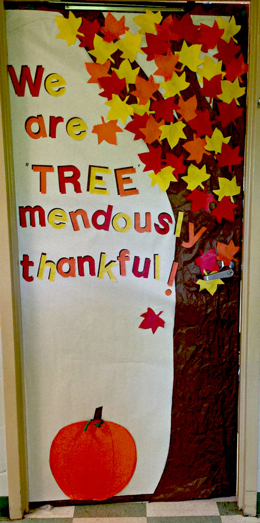 Classroom Owl Ideas ~ Super cool classroom doors to bring in the fall season