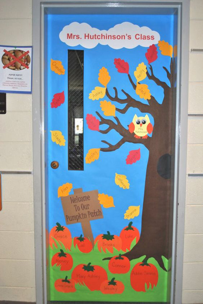 30 Super Cool Classroom Doors to Bring in the Fall Season ...