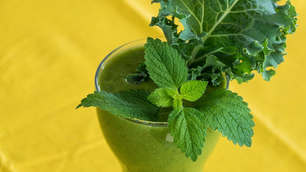 kale smoothie image_teachers eating healthy_Bored Teachers 1
