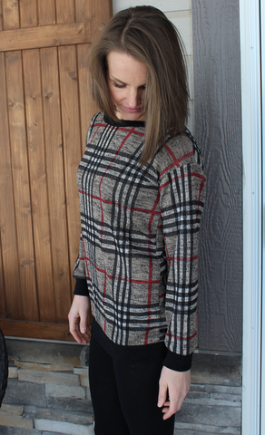 Lightweight Plaid Sweater with Banded Bottom and Pockets