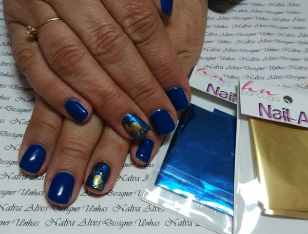 Nail Art usando Foil Hn Portugal - by Nalva Alves