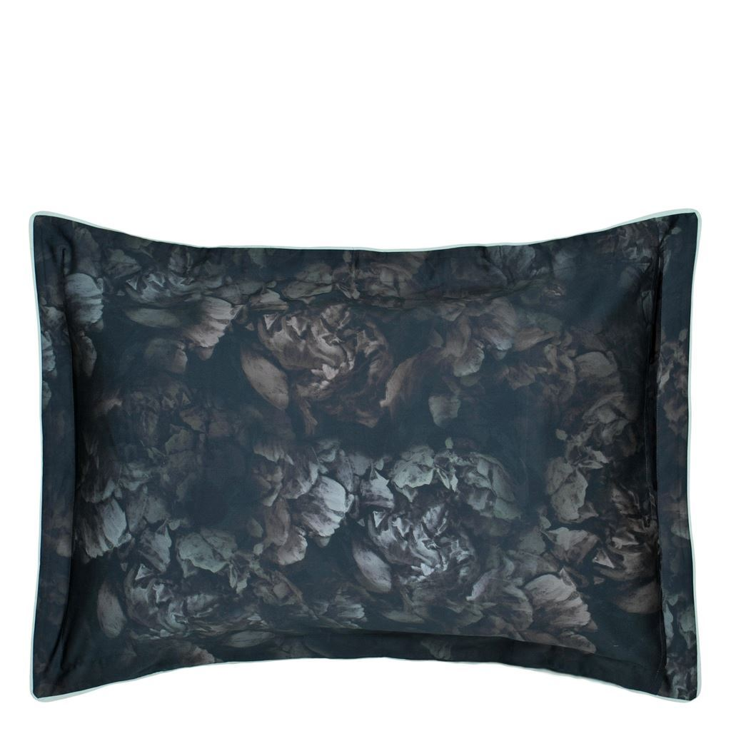 Designers Guild - Pillow cover - shown reverse - le poeme